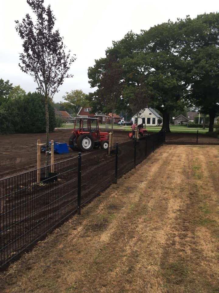 T Berkepies Mini-tractor werkzaamheden
